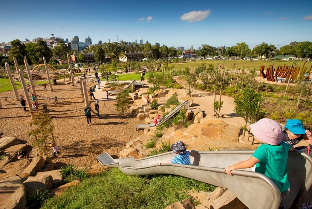 city-of-melbourne-s-nature-play-at-royal-park-crow-1